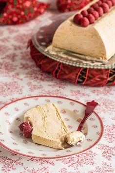 Semifrío de turrón de Jijona Baking Recipes, Cake Recipes, Dessert Recipes, Sweet Cooking, Decadent Cakes, Bread Cake, Sweet Tarts, Frozen Desserts, Winter Food