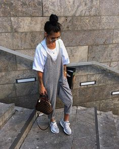 Pin by Mar. on (Kim Duong) Street style in 2019 Chill Outfits, Trendy Outfits, Summer Outfits, Cute Outfits, Fashion Outfits, Womens Fashion, Fashion Trends, Fashion Tips, Yeezy Outfit