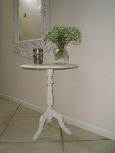 Lief brocante tafeltje met prachtige spiegel!