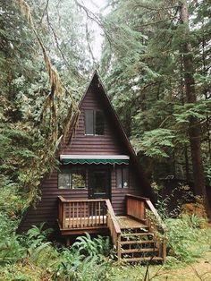 Log cabin home in the forest your everyday rest place. :)) More log cabin home Tiny House Cabin, Log Cabin Homes, Log Cabins, Tiny Houses, A Frame Cabin, A Frame House, Cabins In The Woods, House In The Woods, Bungalow
