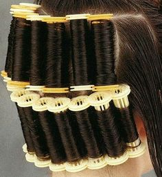 montage vertical 4 Wet Set, Perm Rods, Roller Set, Permed Hairstyles, Curlers, Vintage Glamour, Old And New, Hair Growth, Curly Hair Styles