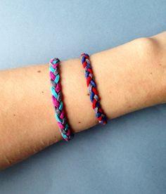 Bracelet orné de suédine tressée de trois couleurs. par CreaMode