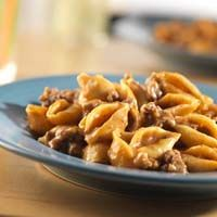 Cheeseburger Pasta -- This super easy recipe takes ingredients that are already in your pantry to make one delicious dinner!