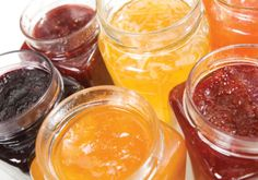 Little mysteries like the difference in jam and jelly just ought to be solved. Here's our guide to the jam-jelly difference! Jelly Recipes, Tea Recipes, Sweet Recipes, Healthy Recipes, Jam And Jelly, How To Make Jam, Canning Recipes, Kraut, Good Food