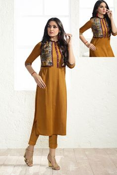 Our shrugs are the ideal technique to indistinctly include affection to shirts and still looking fashionable. Plain Kurti Designs, Salwar Designs, Kurta Designs Women, Kurti Neck Designs, Blouse Designs, Dress Designs, Kurti Patterns, Dress Patterns, Pink Fashion