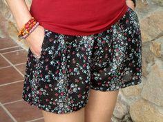 Como hacer un shorts: DIY - Patronesmujer (com molde) Diy Clothing, Sewing Clothes, Sewing Patterns Free, Clothing Patterns, Free Pattern, Short Pattern, Diy Pantalones Cortos, Pants Tutorial, Diy Wardrobe