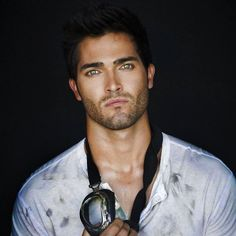 Tyler Hoechlin - it's not fair that someone can be this beautiful...