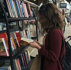 Imagem de book, girl, and aesthetic