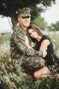 Pin by eva marie on milso army Military Couple Pictures, Military Couples, Military Love, Military Photos, Army Engagement Pictures, Engagement Session, Military Homecoming Pictures, Military Deployment, Marine Girlfriend Pictures