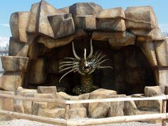 #magiaswiat #inwałd #podróż #zwiedzanie #europa  #blog #figury #park #rozrywki #miniatury #dinolandia #dinozaury #warownia #dinozaury #ryby #budowle #smoki Museums, Parks, Lion Sculpture, Statue, Blog, Animals, Europe, Animales, Animaux