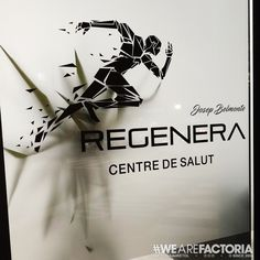 #regenera #santfruitosdebages #vinil #glacejat #retolacio #factoria #factoriadelretol #wearefactoria #w Home Decor, Vinyls, Homemade Home Decor, Decoration Home, Interior Decorating