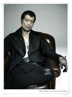 矢沢 永吉, Yazawa Eikichi, born September 1949 in Hiroshima is an influential Japanese singer-songwriter, and important figure in Japanese popular music. All The Young Dudes, Hiroshima, Japanese Beauty, Popular Music, Japanese Culture, My Music, Leather Jacket, My Style, People