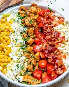 {NEW} Chicken Cobb Salad 🌱🙌💥😍🥚🍅🥓 We REALLY enjoy a GOOD Salad year-round over here at the CFC HQ. Low Carb Vegetarian Recipes, Veggie Recipes, Salad Recipes, Healthy Recipes, Veggie Food, Easy Potato Recipes, Clean Recipes, Cobb Salad Ingredients, Easy Summer Meals