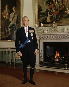 Louis Mountbatten, Earl Mountbatten of Burma by Bernard Lee Schwartz, 16 June 1977 Roi George, King George, Prince Phillip, Prince Charles, Princess Victoria, Queen Victoria, Louis Mountbatten, Adele, Admiral Of The Fleet