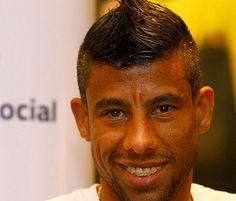 LEONARDO MOURA ............................... Born: October 23, 1978 (age 34), Niterói, Rio de Janeiro / Team: Clube de Regatas do Flamengo (#2 / Defender)