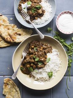 Delicious, easy lamb curry recipe - tender, fragrant lamb and a birch, tasty sauce. So easy to make at home! Lamb Recipes, Curry Recipes, Indian Food Recipes, Indian Foods, Healthy Drinks, Healthy Recipes, Baking Recipes, Vegetarian Recipes, Winter Dinner Recipes