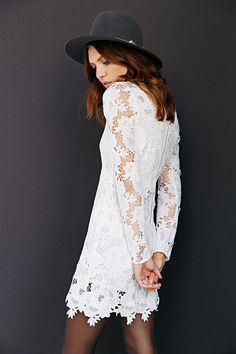 Lacy, long-sleeve 70s silhouette with a hat
