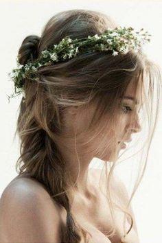 Ob Festival, Open-Air-Konzert oder eine schicke Gartenparty: Mit Frisuren im Boho-Stil passt ihr in jede Sommer-Location.Die Modewelt kann momentan nicht ohne den Bohemian-Look...