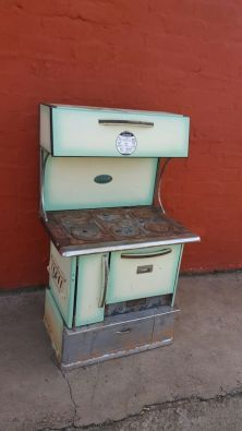 Another #awesome find on www.JunkMail.co.za!   Do you still remember #coal stoves? Collectors love these!