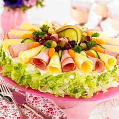 Smörgåstårta Mimosa  | swedish sandwich cake Party Sandwiches, Sandwich Cake, Buffet, Salad Cake, Cocoa Recipes, Swedish Recipes, Edible Arrangements, Weird Food, Dessert For Dinner