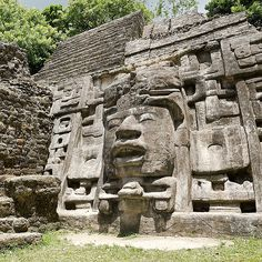 Belize: Lamanai Ruins Tour And River Cruise By Vebo Aztec Ruins, Mayan Ruins, Ancient Ruins, Ancient Buildings, Ancient Architecture, Tropical Architecture, Aztec Architecture, Mayan History, Ruined City