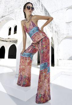 #TrendStudioF Jumsuit con print ornamental en distintos colores para verte increíble y divertida esta primavera. Enterizo S120614
