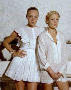 The Flight Kit: Chloë Sevigny and Tara Subkoff Love Mascara, Probiotics, and Stolen Soap Chloe Sevigny Style, Fashion Outfits, Fashion Tips, Fasion, Style Icons, Cool Girl, White Dress, Flower Girl Dresses, Girly