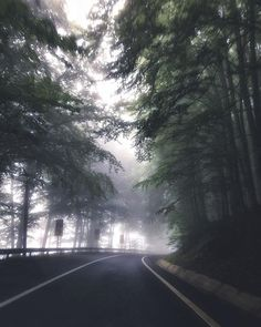 Getting on the road at sunrise has its charm. Like driving on what seems to be the way to Silent Hill Silent Hill, Digital Nomad, Van Life, The Great Outdoors, Backpacking, Travel Guide, Sunrise, Country Roads, Earth