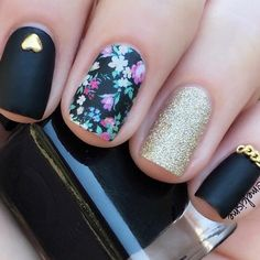 39 Elegant Looks for Matte Nails Every Girl Will Want to Copy ★ Matte Floral Designs picture2 ★ See more: http://glaminati.com/best-matte-nails/