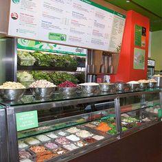 Chop't Creative Salad Company New York New York Manhattan Upper East Side Restaurant New York, Restaurant Design, Salad Bar Restaurants, New York Food, Food Nyc, Air Fryer Sweet Potato Fries, Salad Shop, Salad Packaging, Bagel Bar