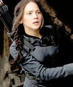 Katniss Everdeen. Le Geai Moqueur. The Hunger Games - La Révolte ( Partie 1 ).  Jennifer Lawrence.
