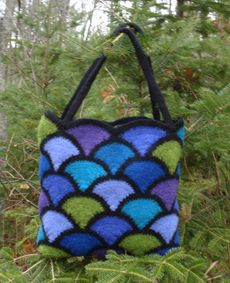 Ravelry: Felted Stained Glass Tote pattern by Madeline Langan Granny Square Bag, Crochet Purses, Crochet Bags, Crochet Cable, Stained Glass Flowers, Flower Bag, Tote Pattern, Handmade Felt, Knitted Bags
