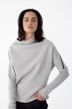 Get cozy in this women's sweatshirt from Marcellamoda. Shop online now for the perfect complement to your fall booties and skinny jeans. Fall Booties, Black Jumper, Getting Cozy, Minimal Fashion, Clothes For Sale, Cool Outfits, Turtle Neck, Skinny Jeans, Stylish