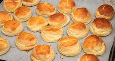 Habkönnyű burgonyás pogácsa recept Hungarian Desserts, Hungarian Recipes, Baking Recipes, Cake Recipes, Savory Pastry, Bread And Pastries, Churros, Winter Food, Scones