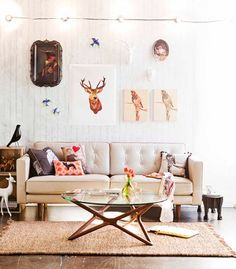 2D deer heads... creative ways to get that rustic feel without a real pair of mounted antlers !