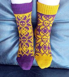 Ravelry: redvoodoo's Selbudeath Short Socks (Wollmeise)
