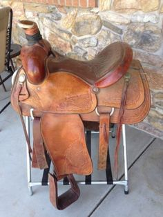 roping saddle 15.5 Eamors High River Alberta Rodeo Nice! Tooling
