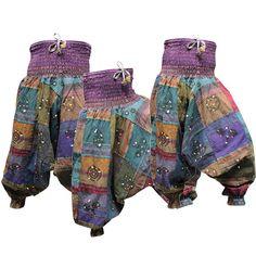 Comment ces chemises sont faites ?  Ce pantalon de harem est trempée dans de…