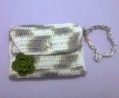 Carteira de Mão confeccionada em Crochê com Barbante Duna. www.bellezasul.blogspot.com.br