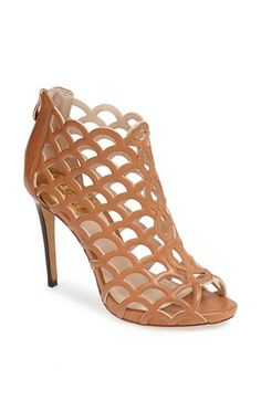 Perfect for summer! Love these light tan Vince Camuto caged sandals. In a dream world of customization, I'd change the center strip and the hardware to their rose gold color. Cute Shoes, Me Too Shoes, Caged Sandals, Caged Heels, All About Shoes, Crazy Shoes, Look Cool, Beautiful Shoes, Shoe Collection
