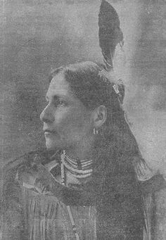 My grandpa was a true half blood Abenaki. Sadly to many people I know claim to be without a true line. Angers me. Tanning doesnt make you indian people. Our native indians were red skinned. White during winter, red due to sun exposure. NOT TAN FROM TANNING BEDS! This is a beautiful photo of an abenaki woman. She looks so much like my aunt. just makes me smile to see such a beautiful photo of my heritage