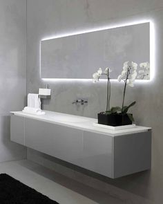 46 Popular Bathroom Mirror Design Ideas For Any Bathroom Model 20 Most Favorite Bathroom Mirror Ideas to Update Your Style Cottage Bathroom Mirrors, Modern Bathroom Mirrors, Bathroom Mirror Design, Bathroom Mirror Lights, Bathroom Mirror Cabinet, Old Bathrooms, Modern Bathroom Design, Bathroom Interior Design, Beautiful Bathrooms