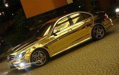 10 Luxuosos carros banhados a ouro Luxo é algo muito caro ou difícil de criar. Mas não é nada caro para o Oriente Médio? Bem, esse post apresenta um acúmulo de carros banhados a ouro detidas pelos árabes. 2. Mercedes-Benz C63 AMG 3. BMW M5 4. Rolls Royce Phantom 5. Aston Martin 6. Porsche 91...