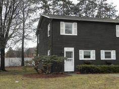 51-1 Red Pines Lane, Unit 51-1 Colchester, Vermont 2 lvl / 2 bed / 1 bath / 1,024 sq ft $147,500 // $200/month HOA