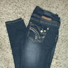 Almost famous  skinny jeans Great condition worn twice. Says size 7 but fits like a 5 Almost Famous Pants Skinny