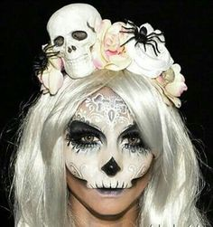 My favourite sugar skull by far! This is what I'm doing this year