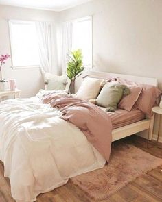 bedroom decor for small rooms / bedroom decor ; bedroom decor for couples ; bedroom decor ideas for women ; bedroom decor for small rooms ; bedroom decor ideas for couples ; Decor Room, Home Decor Bedroom, Bedroom Furniture, Bedroom Ceiling, Budget Bedroom, Bedroom Plants, Bedroom Curtains, Bedroom Apartment, Furniture Design