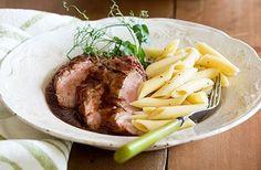 Le Filet de porc à la mijoteuse, une autre façon de savourer le porc du Québec. Slow Cooker Recipes, Crockpot Recipes, Savoury Dishes, Freezer Meals, Guacamole, Steak, Brunch, Food And Drink, Menu