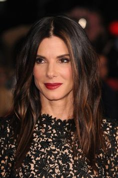 Sandra Bullock with an absolutely eye catching style!
