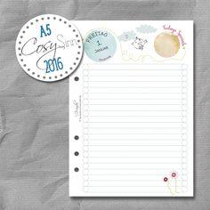 Tageskalender, Kalendereinlagen von SinnWunder für Organizer von Filofax, Succes, elfenklang & Co.im Design CosySinn. Filofaxing Fans werden sich über die tolle Papierqualität von 100g/m² freuen. Die Tageskalender kommen mit einer Aufbewahrungsmappe aus edlem Gmund Karton. Monatsübersichten und Jahresübersichten sind auch mit dabei. Das Format passt für Din A5 Organizer und man kann zwischen 2 Lochungen wählen. Der Kalender 2016 enthält die Feiertage für Deutschland, Österreich und die…